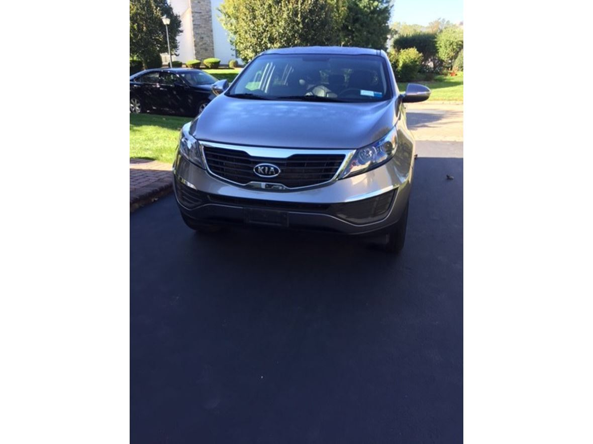 2012 Kia Sportage for sale by owner in Bellport