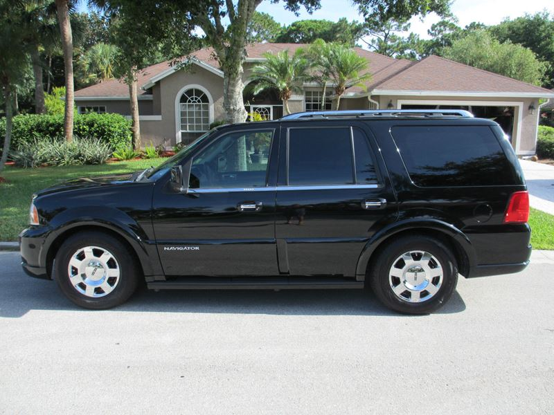 2005 lincoln navigator for sale by owner in louisville ky 40217. Black Bedroom Furniture Sets. Home Design Ideas