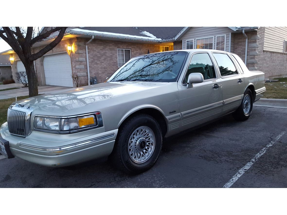 1997 lincoln town car for sale by owner in lindon ut 84042. Black Bedroom Furniture Sets. Home Design Ideas