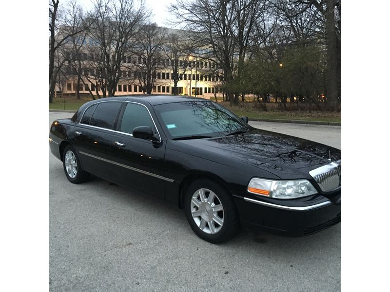 used 2008 lincoln town car for sale by owner in chicago il 60656. Black Bedroom Furniture Sets. Home Design Ideas