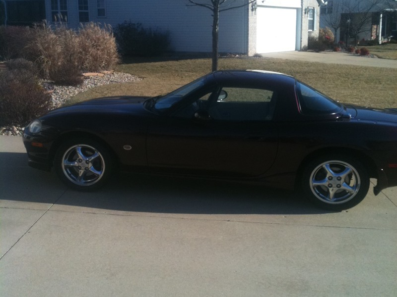 2000 mazda mx 5 miata for sale by owner in edwardsville il 62025. Black Bedroom Furniture Sets. Home Design Ideas