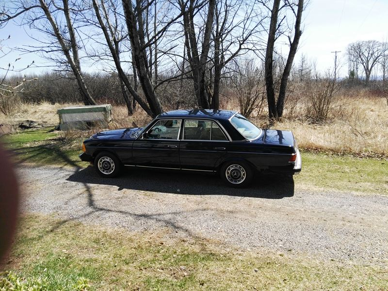 1978 mercedes benz 300d classic car for sale by owner in for Used mercedes benz for sale by owner