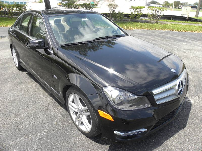 2012 mercedes benz c class by owner in pompano beach fl 33069 for 2012 mercedes benz c300 tire size