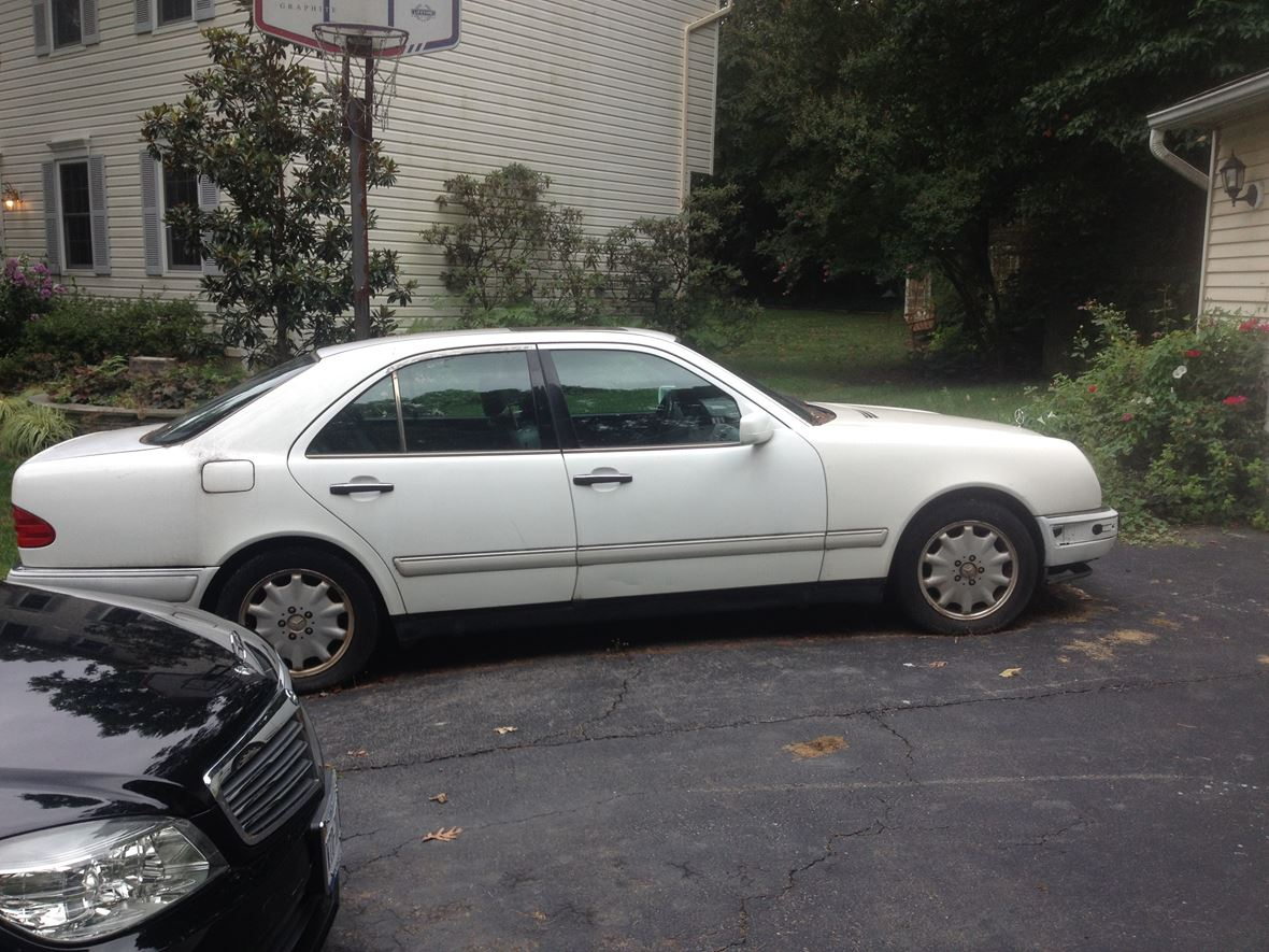 1996 mercedes benz e class for sale by owner in burke va. Black Bedroom Furniture Sets. Home Design Ideas