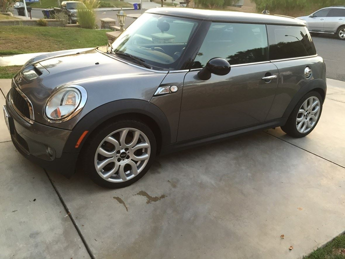 2010 mini cooper private car sale in santa clarita ca 91390. Black Bedroom Furniture Sets. Home Design Ideas