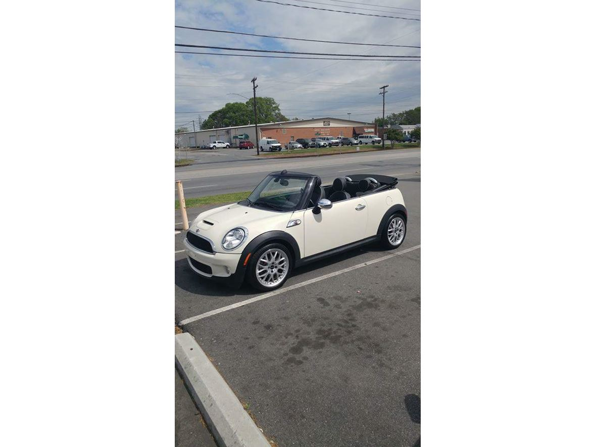 2010 MINI Cooper for sale by owner in Holly Ridge