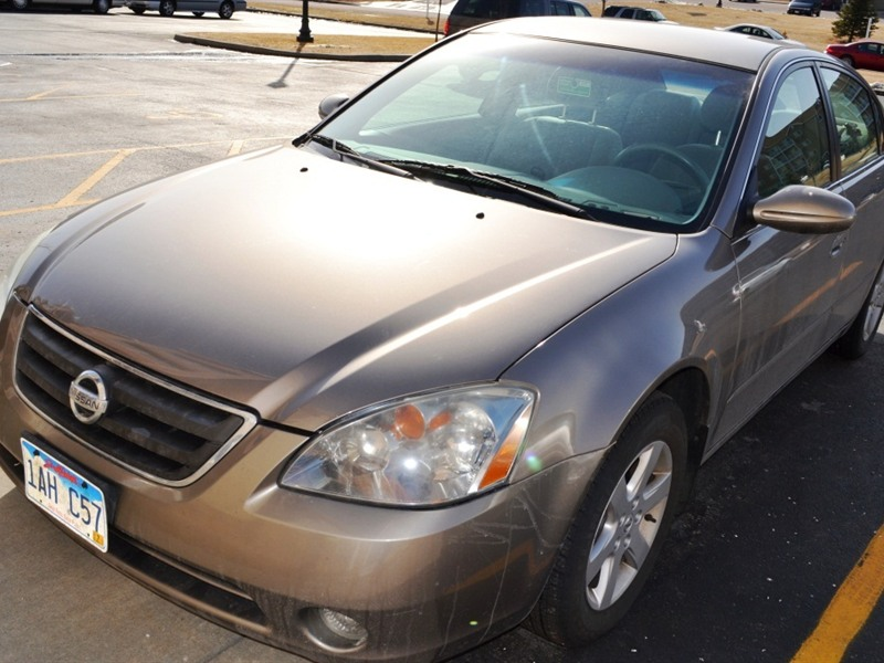 2004 nissan altima for sale by owner in sioux falls sd 57106. Black Bedroom Furniture Sets. Home Design Ideas
