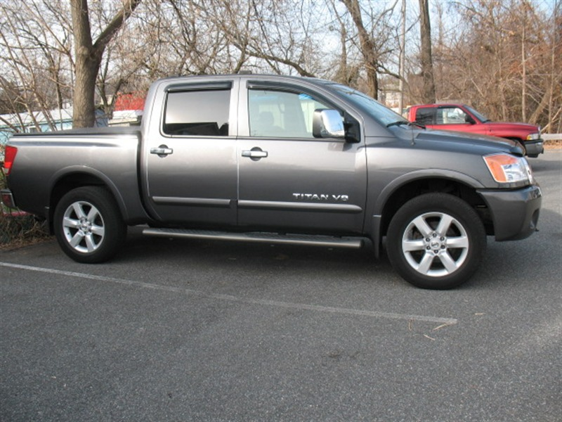 2008 nissan titan le 4wd for sale by owner in lynn ma 01905. Black Bedroom Furniture Sets. Home Design Ideas