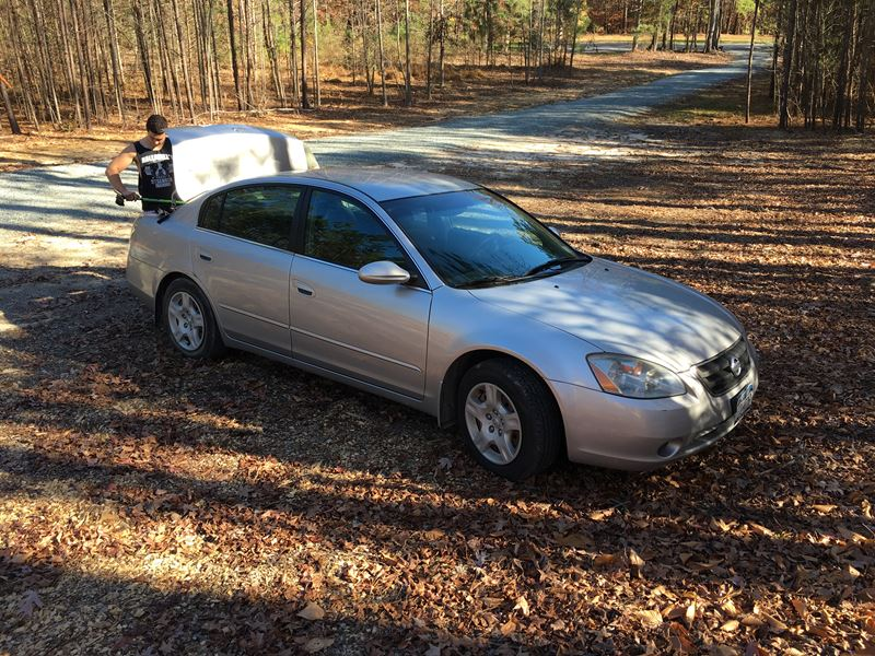 2004 nissan altima for sale by owner in chapel hill nc 27517. Black Bedroom Furniture Sets. Home Design Ideas