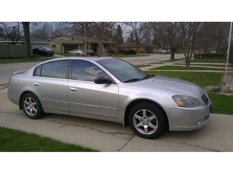 2005 nissan altima for sale by owner in kenosha wi 53144. Black Bedroom Furniture Sets. Home Design Ideas