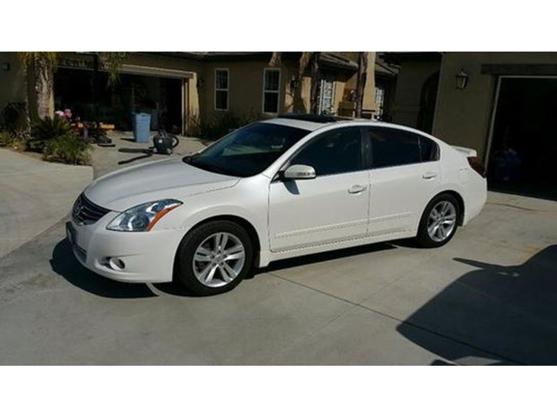 used 2010 nissan altima for sale by owner in phoenix az 85078. Black Bedroom Furniture Sets. Home Design Ideas