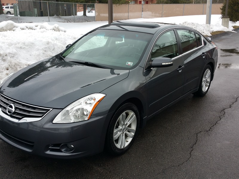 2011 nissan altima private car sale in cranberry twp pa 16066. Black Bedroom Furniture Sets. Home Design Ideas