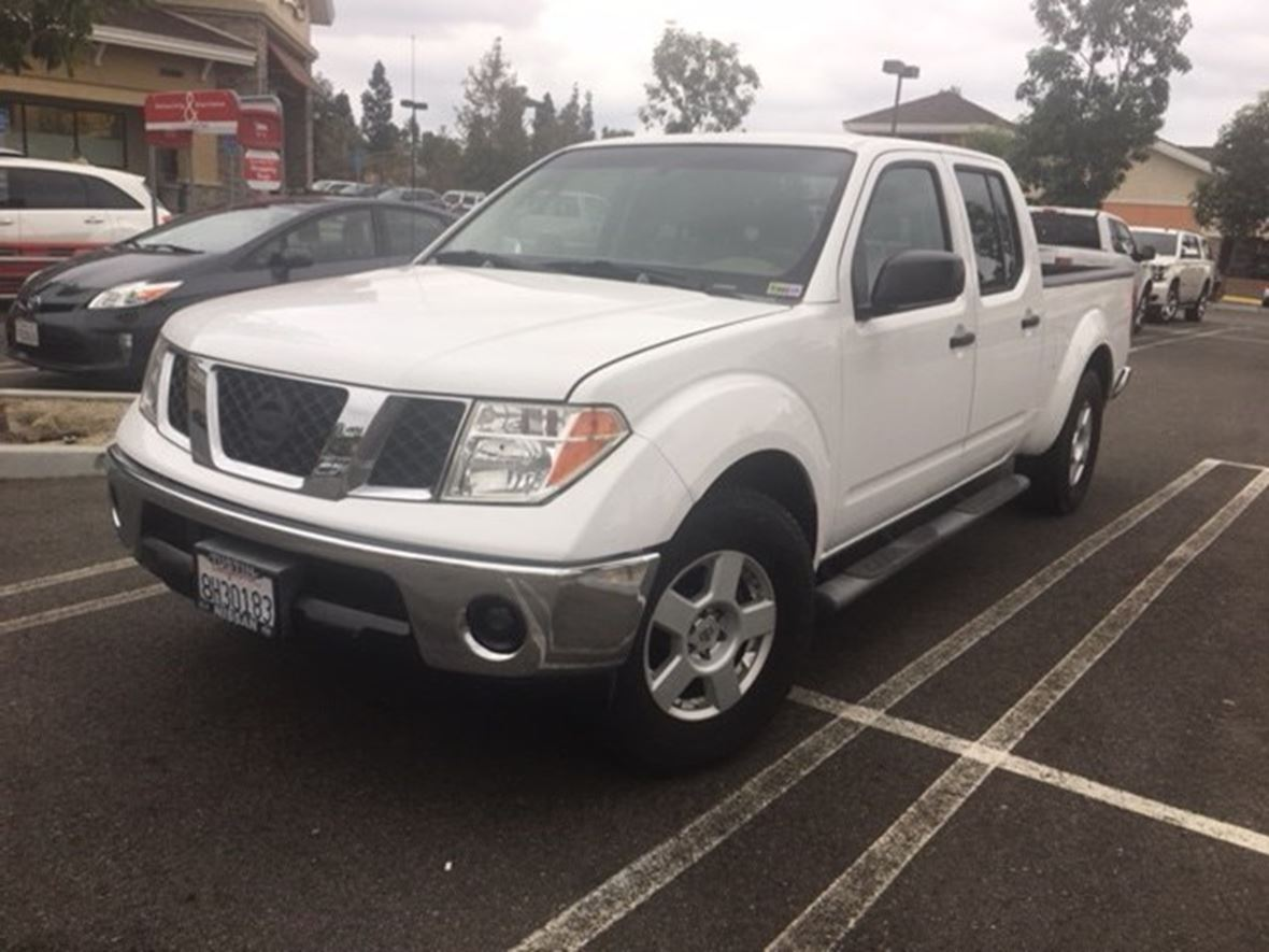 2007 Nissan Frontier 4-dr crew for sale by owner in Laguna Woods