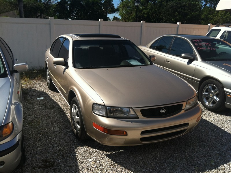 1996 Nissan Maxima for sale by owner in NAPLES