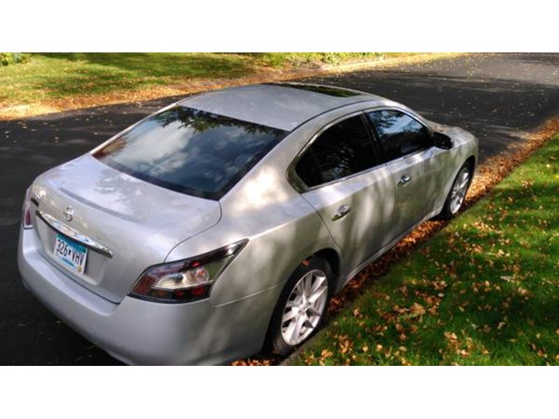 2013 Nissan Maxima for sale by owner in Saint Paul