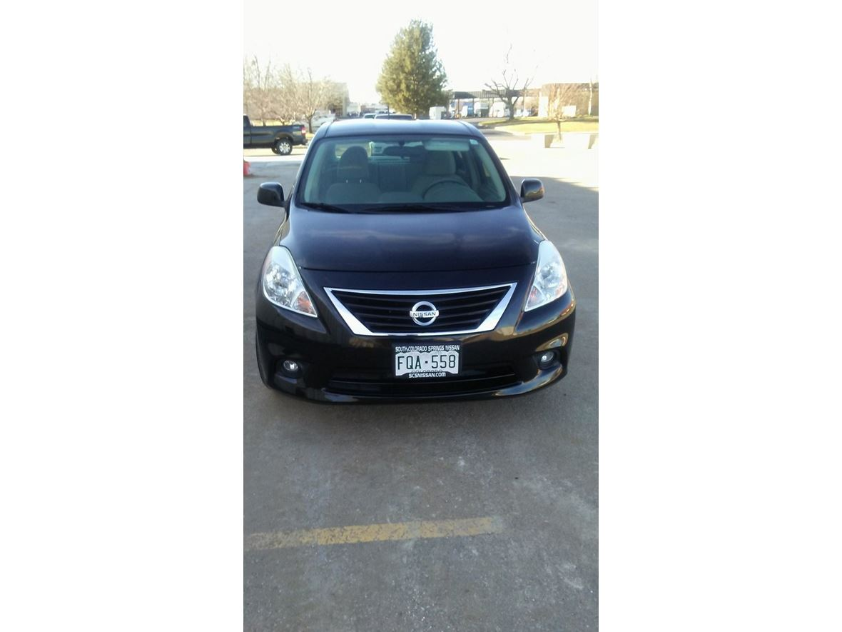 2014 Nissan Versa for sale by owner in Greeley