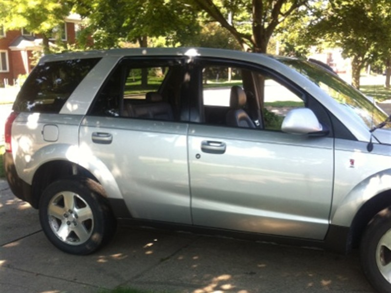 2005 Saturn Vue for sale by owner in FLINT