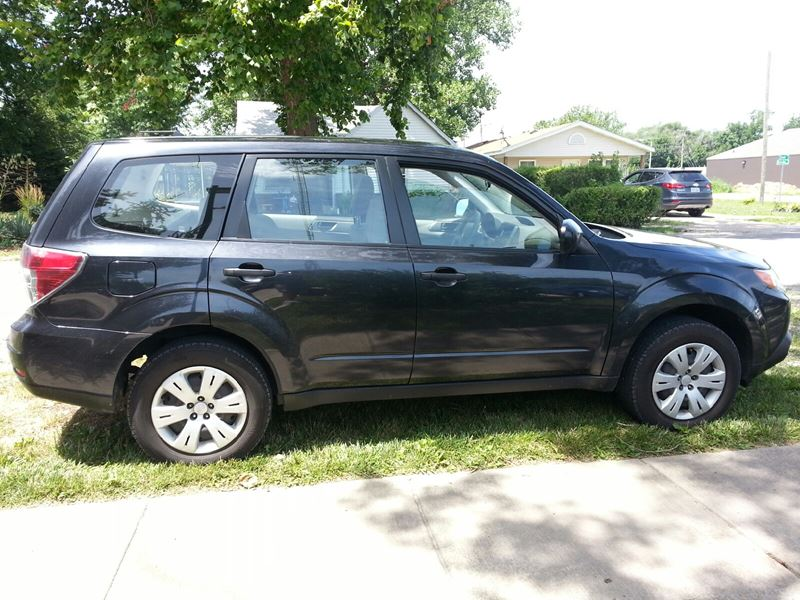 2010 subaru forester private car sale in sherman il 62684. Black Bedroom Furniture Sets. Home Design Ideas