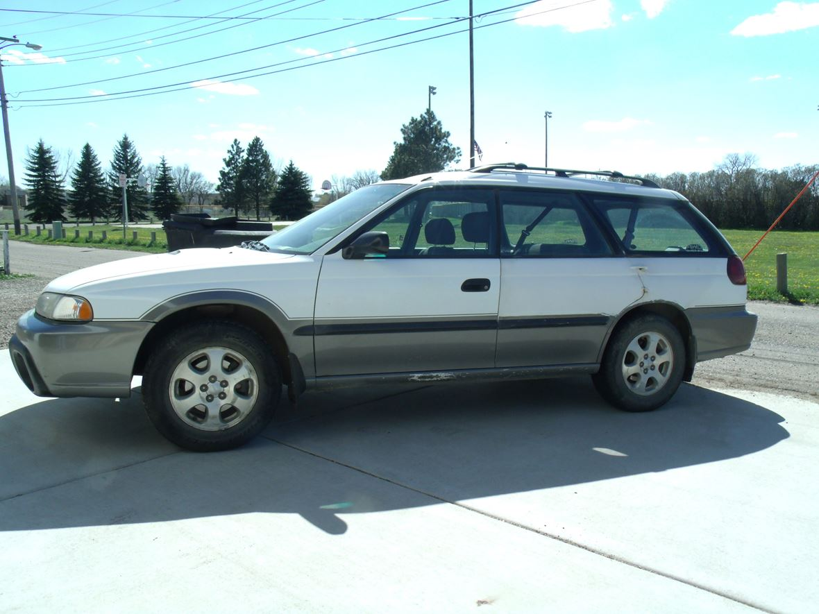 1999 subaru outback for sale by owner in dickinson nd 58602. Black Bedroom Furniture Sets. Home Design Ideas