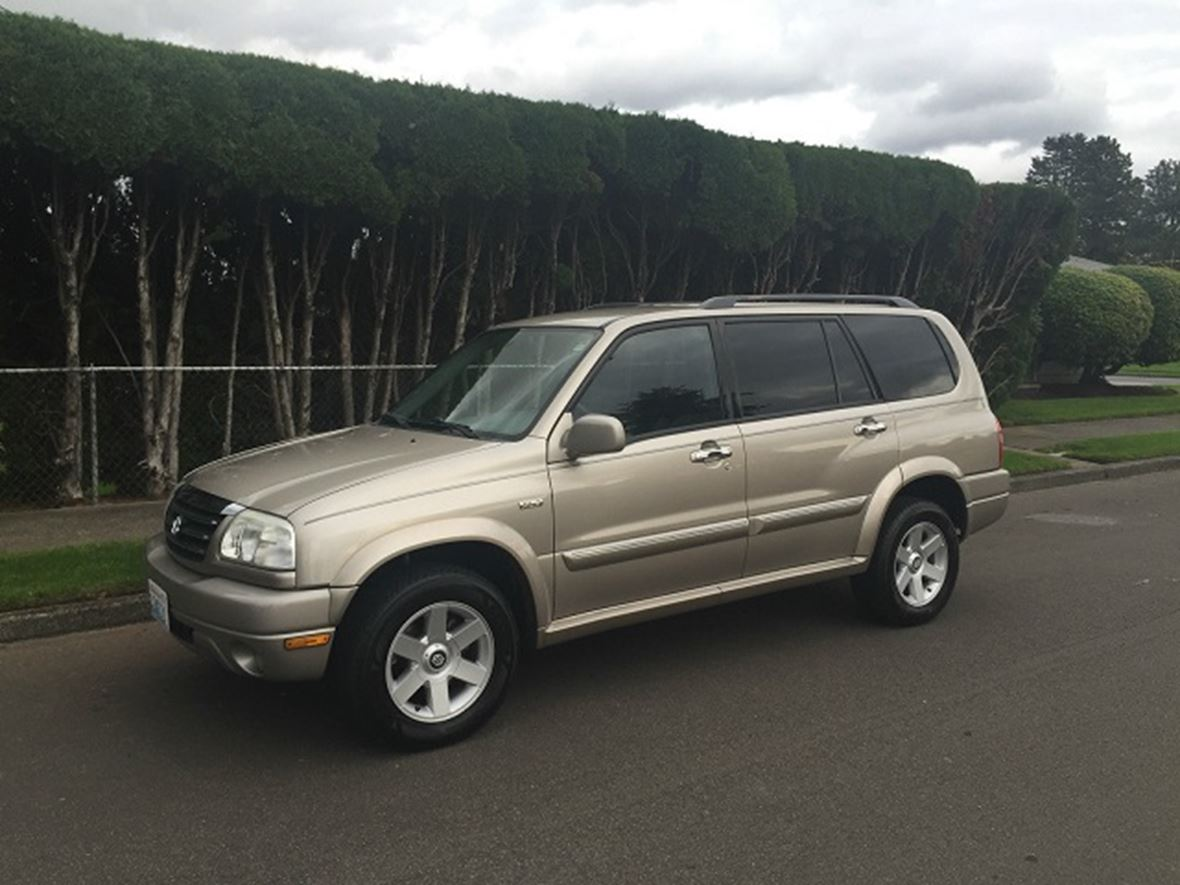 2001 Suzuki Grand Vitara for sale by owner in Seattle