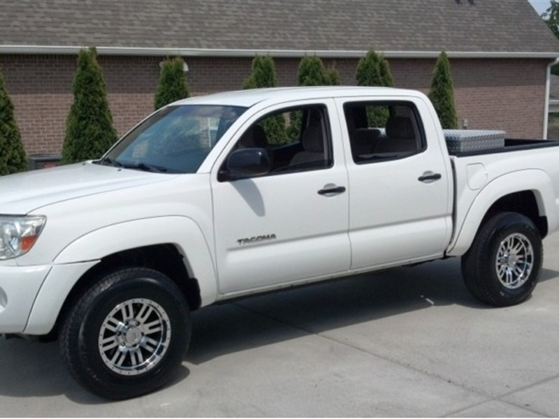 2005 toyota tacoma for sale by owner in tampa fl 33612. Black Bedroom Furniture Sets. Home Design Ideas