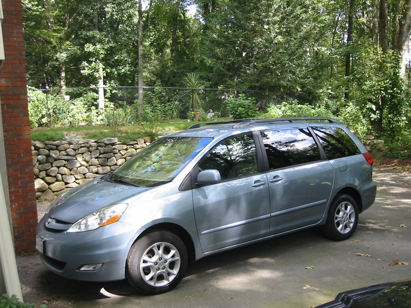 2006 toyota sienna xle awd by owner in north andover ma 01845. Black Bedroom Furniture Sets. Home Design Ideas