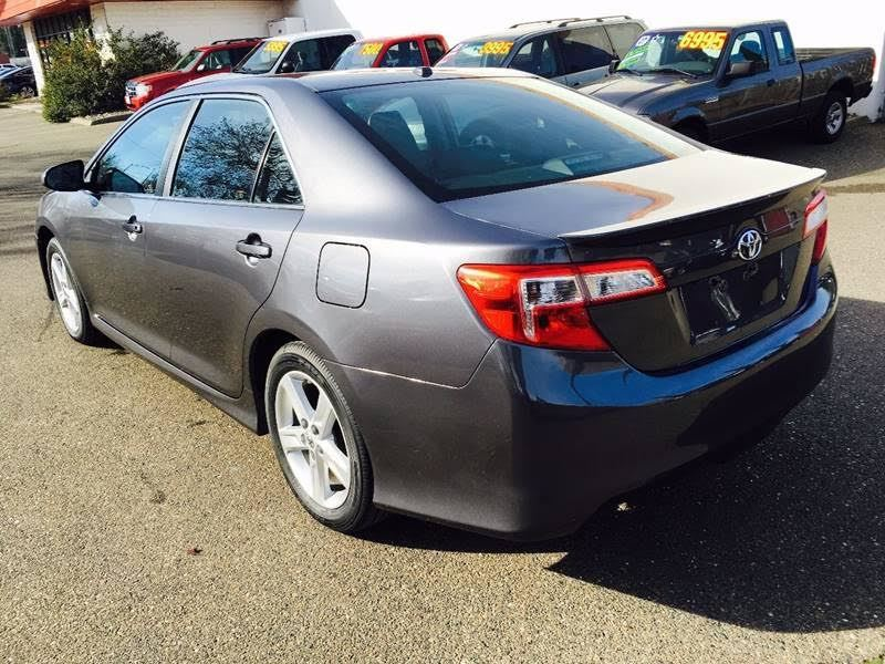 used 2014 toyota camry private car sale in los angeles ca 90103. Black Bedroom Furniture Sets. Home Design Ideas