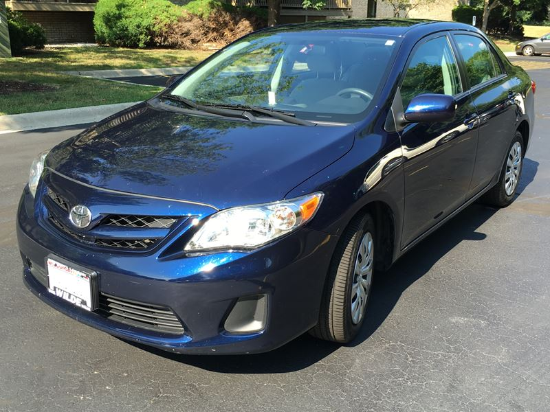 2012 toyota corolla for sale by owner in milwaukee wi 53209. Black Bedroom Furniture Sets. Home Design Ideas