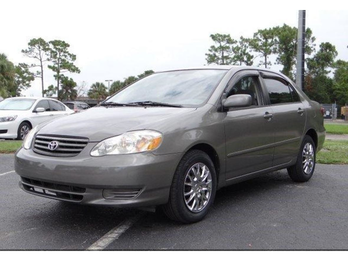 2004 Toyota Corolla LE for sale by owner in Newark