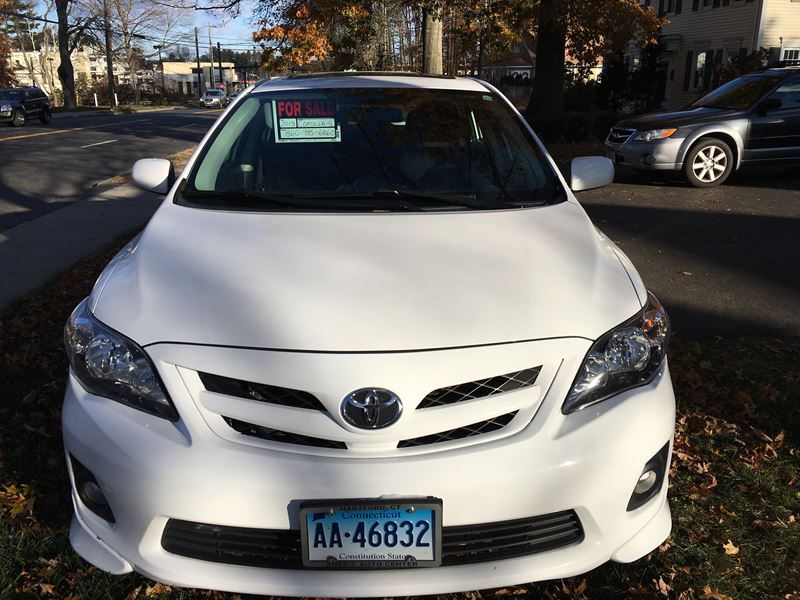 2013 toyota corolla s sale by owner in west hartford ct 06137. Black Bedroom Furniture Sets. Home Design Ideas