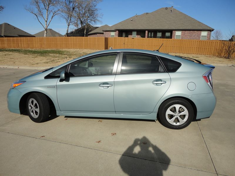 2012 toyota prius for sale by owner in bentonville ar 72712. Black Bedroom Furniture Sets. Home Design Ideas
