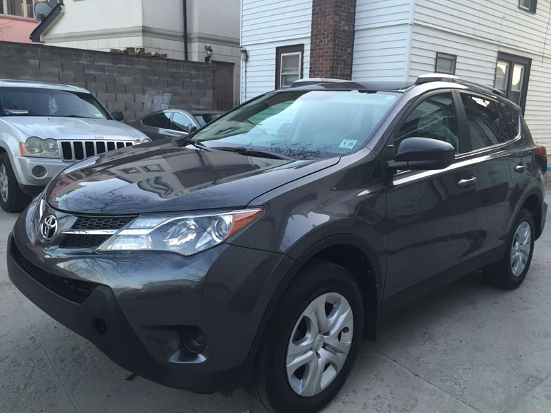 used 2014 toyota rav4 private car sale in brooklyn ny 11251. Black Bedroom Furniture Sets. Home Design Ideas