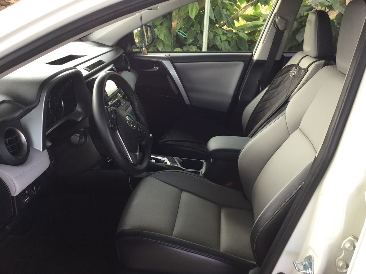 2016 Toyota Rav4 for sale by owner in Kula