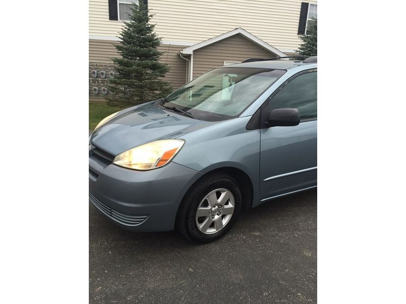 2005 toyota sienna for sale by owner in kent oh 44243. Black Bedroom Furniture Sets. Home Design Ideas