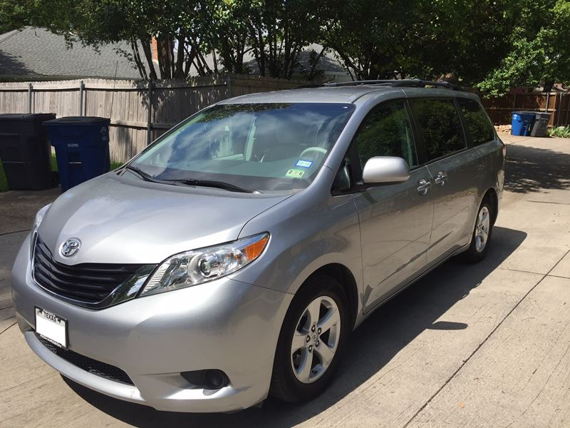 2011 toyota sienna for sale by owner in dallas tx 75398. Black Bedroom Furniture Sets. Home Design Ideas