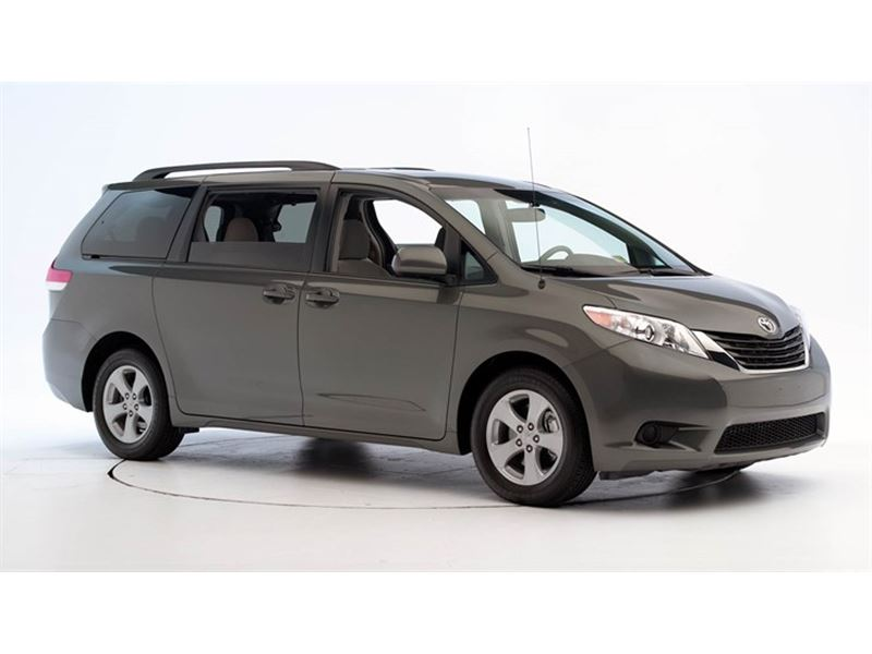 Used Toyota Sienna For Sale >> 2011 Toyota Sienna - Private Car Sale in Herndon, VA 22095