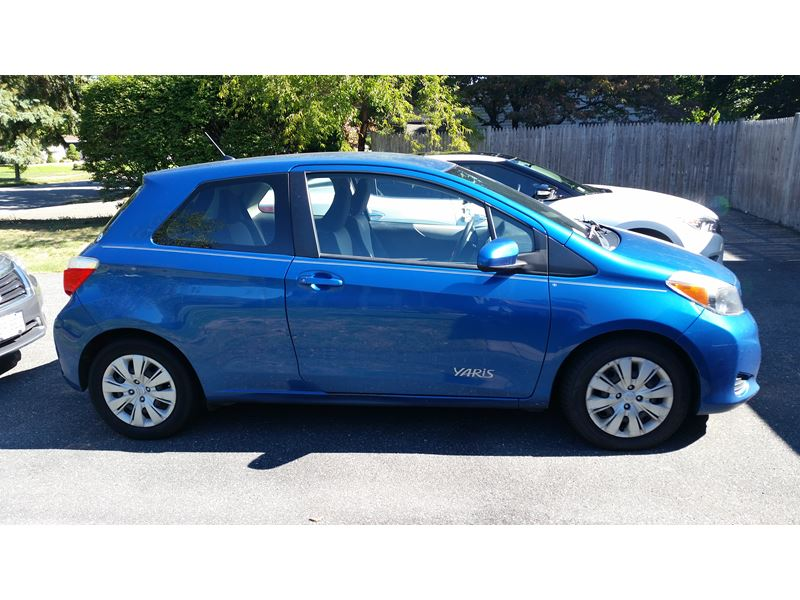 used 2012 toyota yaris for sale by owner in peabody ma 01960. Black Bedroom Furniture Sets. Home Design Ideas