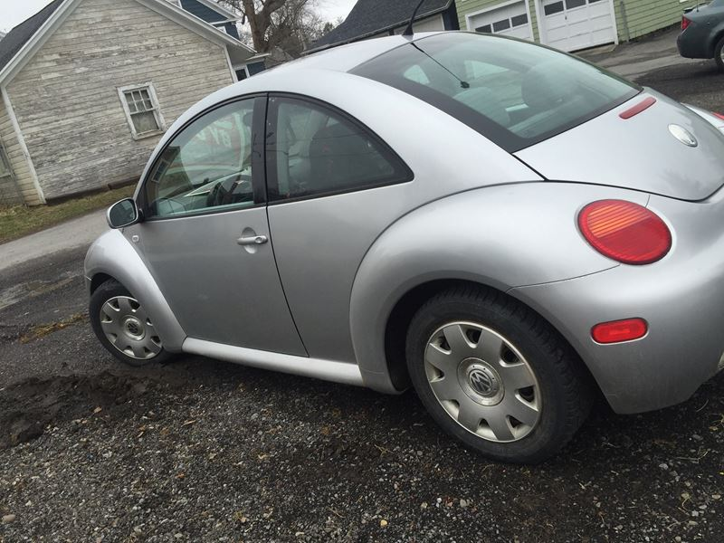 used volkswagen new beetle for sale in new york ny edmunds autos post. Black Bedroom Furniture Sets. Home Design Ideas