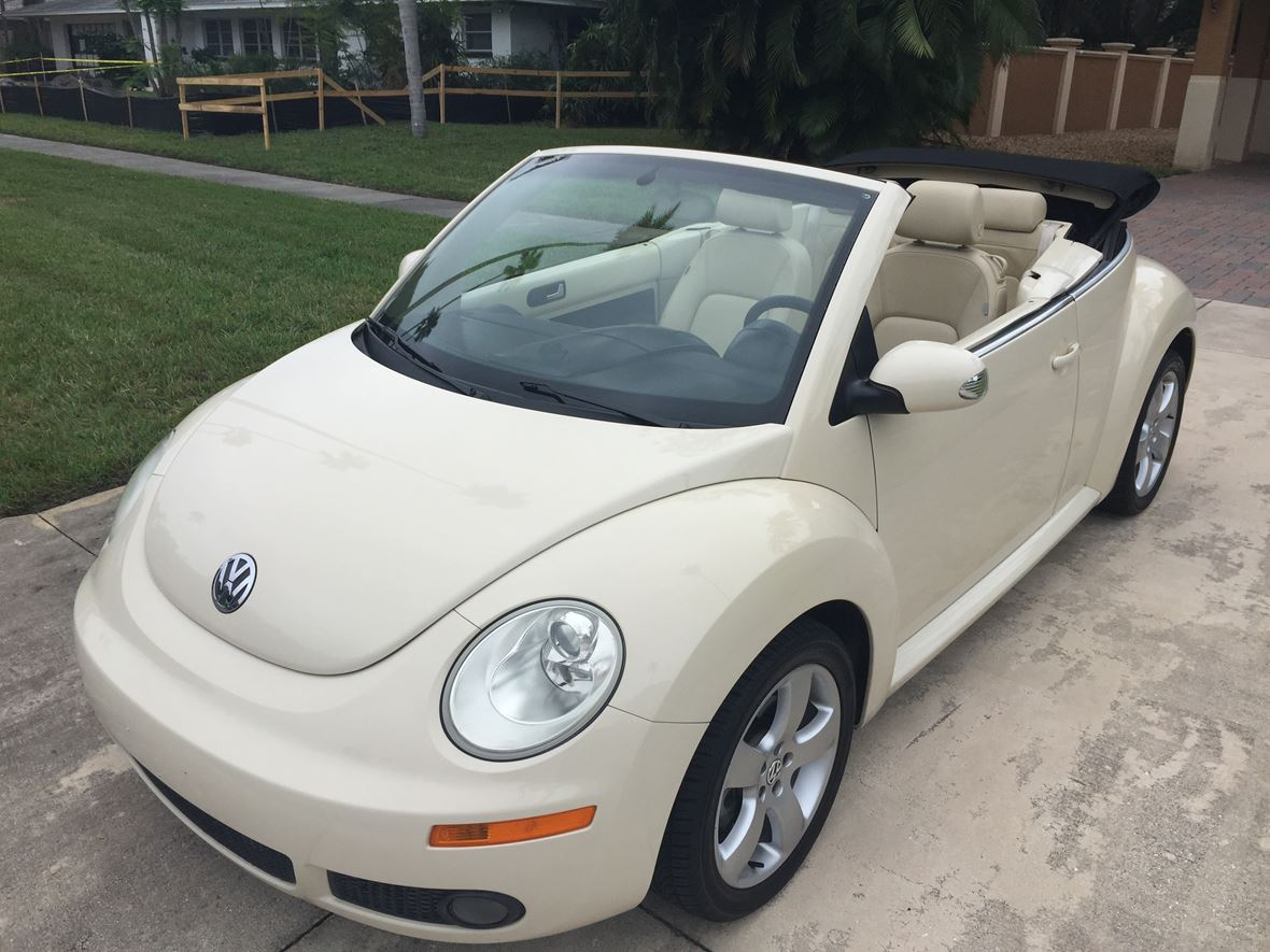 2006 Volkswagen Beetle Convertible for sale by owner in Sarasota