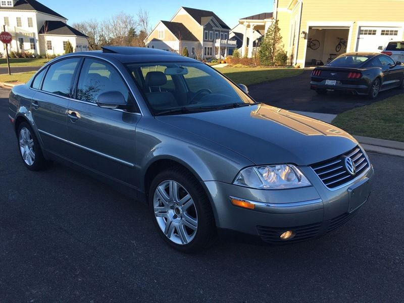 2005 Volkswagen Passat for sale by owner in Teterboro