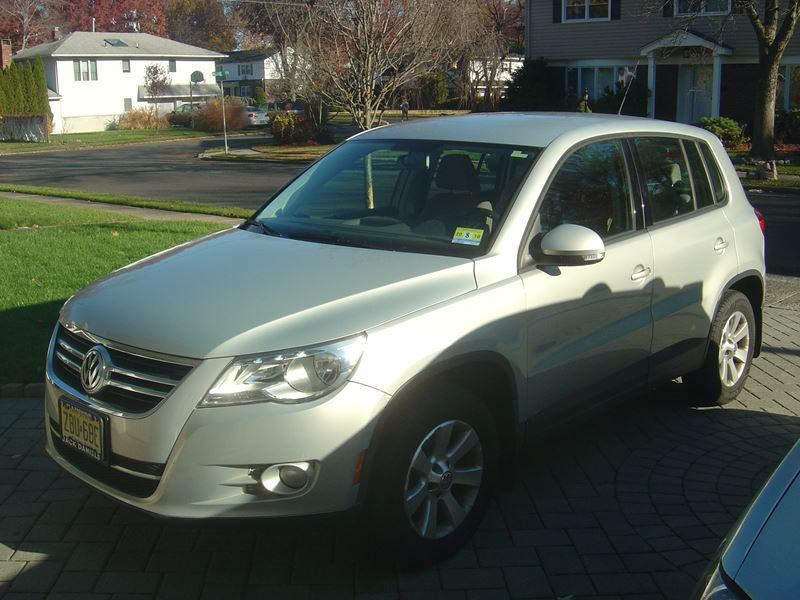 2009 volkswagen tiguan for sale by owner in fair lawn nj. Black Bedroom Furniture Sets. Home Design Ideas