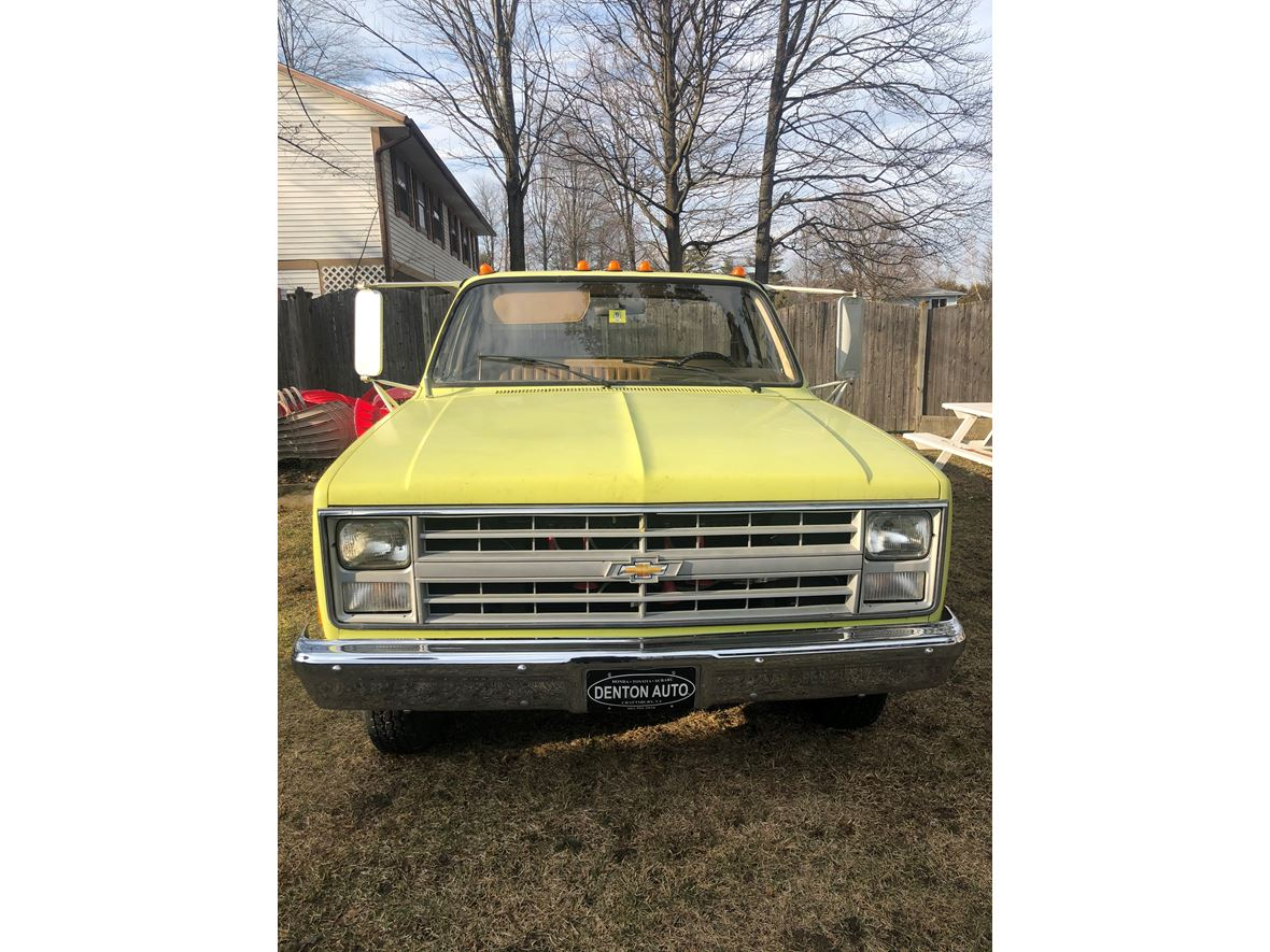 1985 Chevrolet C-30 for sale by owner in South Burlington