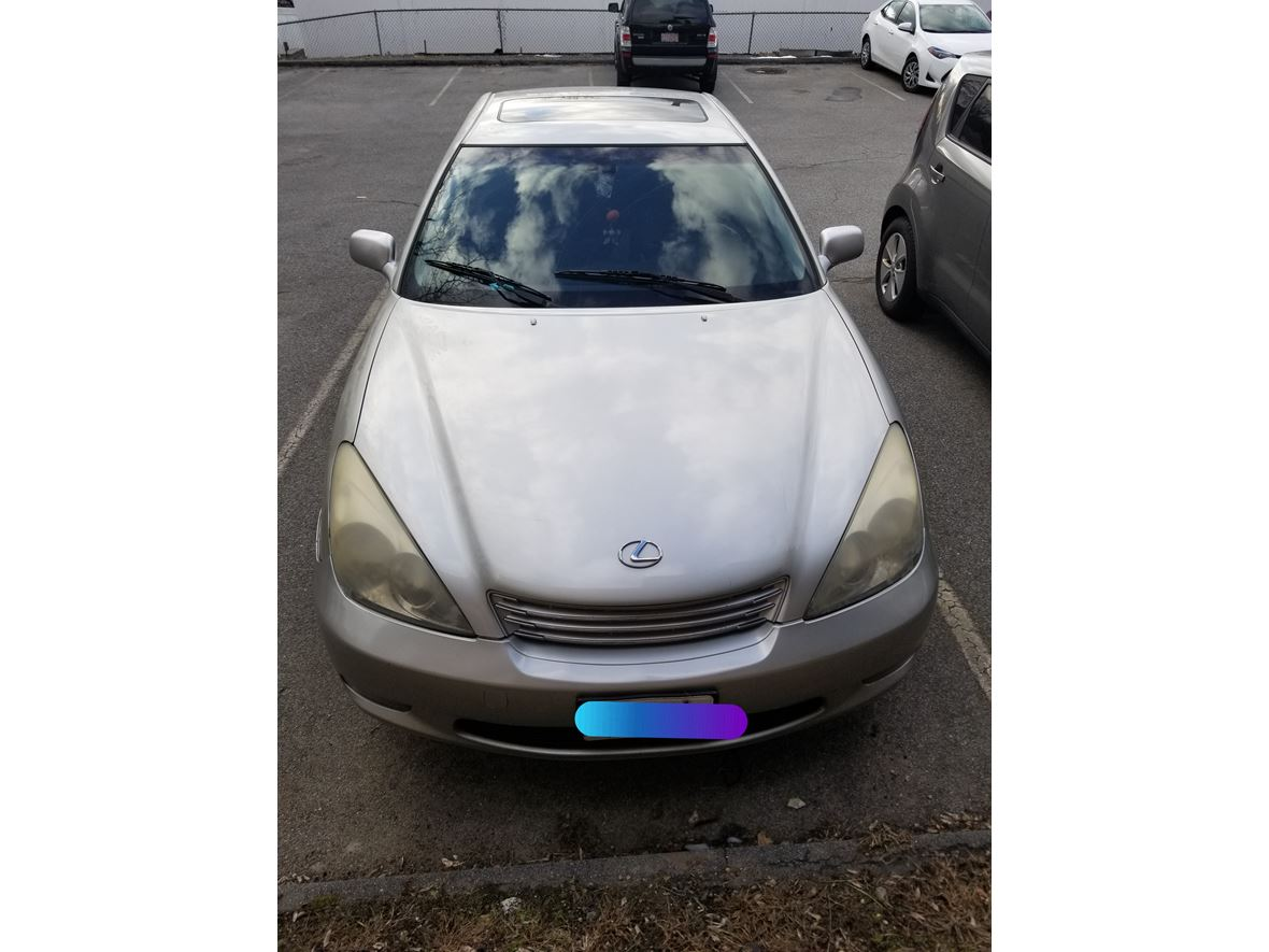 2004 Lexus ES 330 for sale by owner in Lowell