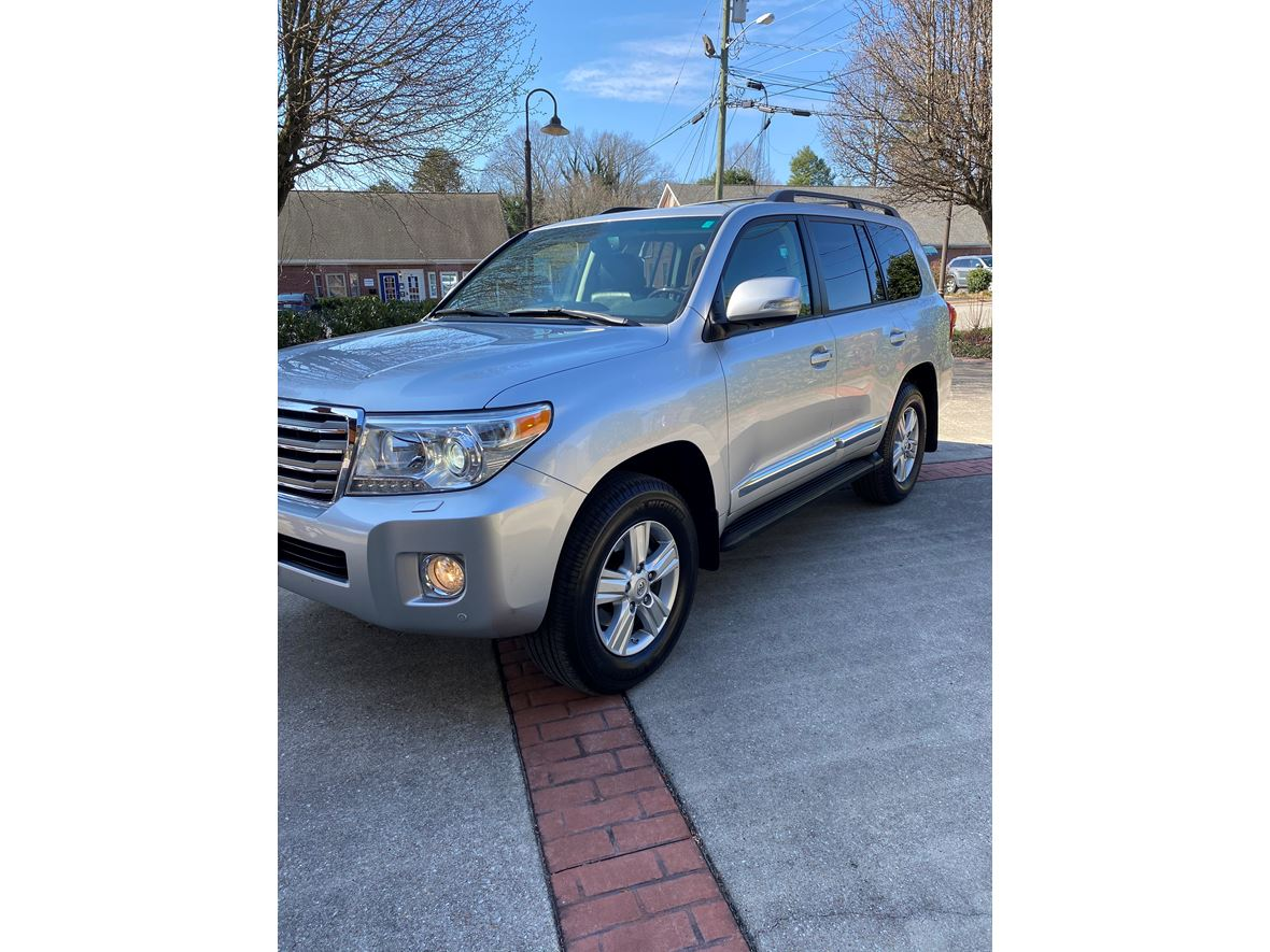 2014 Toyota Land Cruiser for sale by owner in Chattanooga
