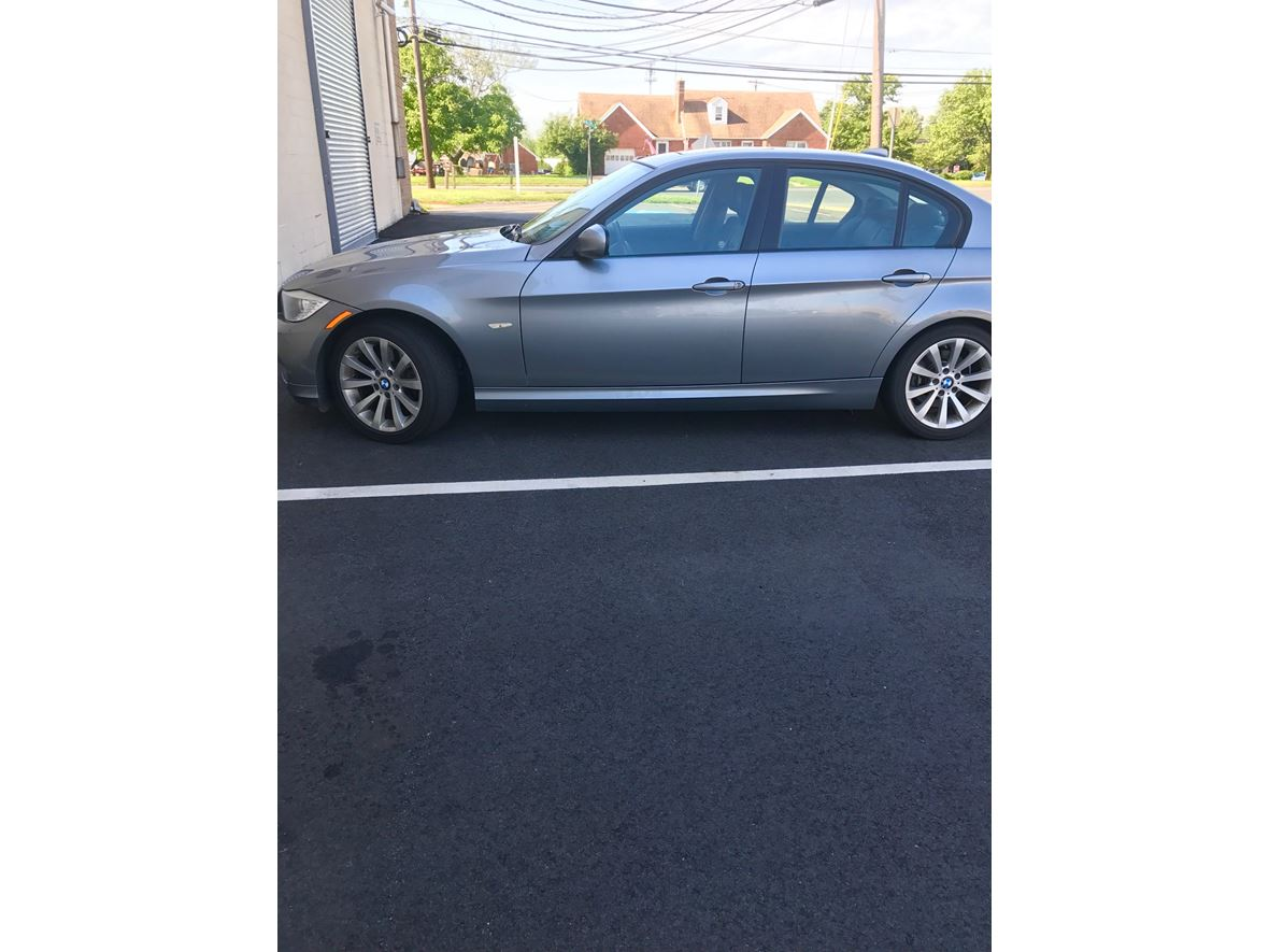 2011 BMW 3 Series for sale by owner in Edison