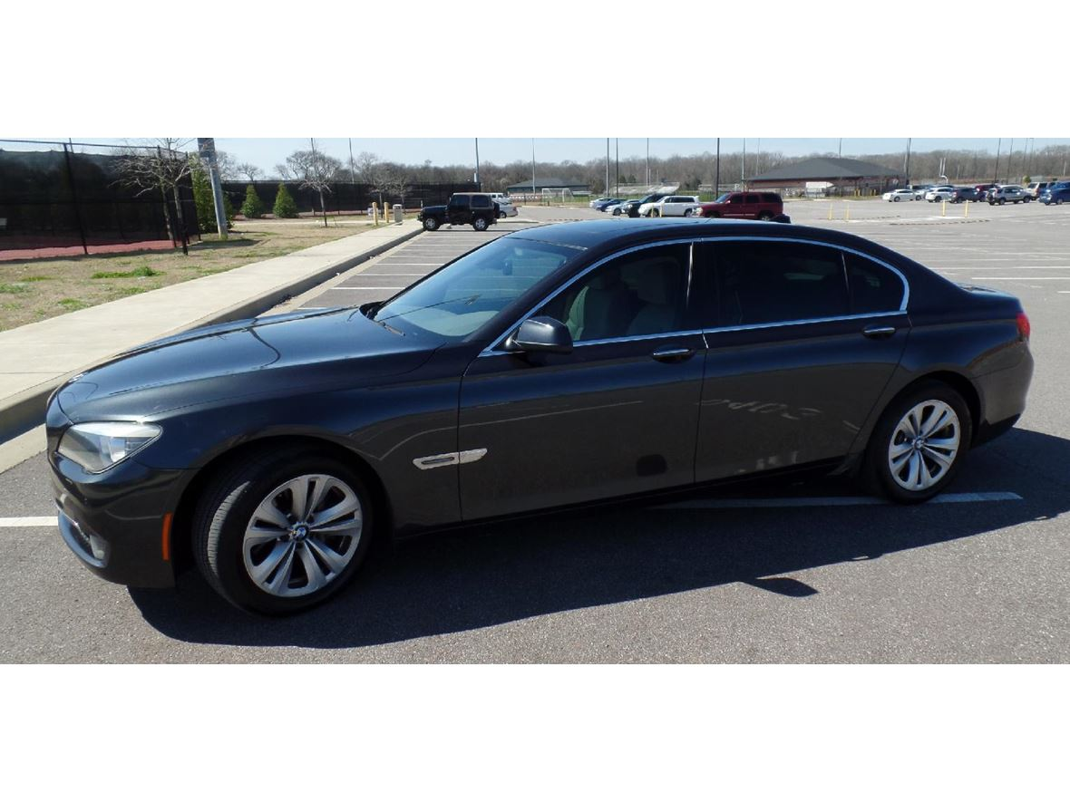 2011 BMW 7 Series for sale by owner in Huntsville