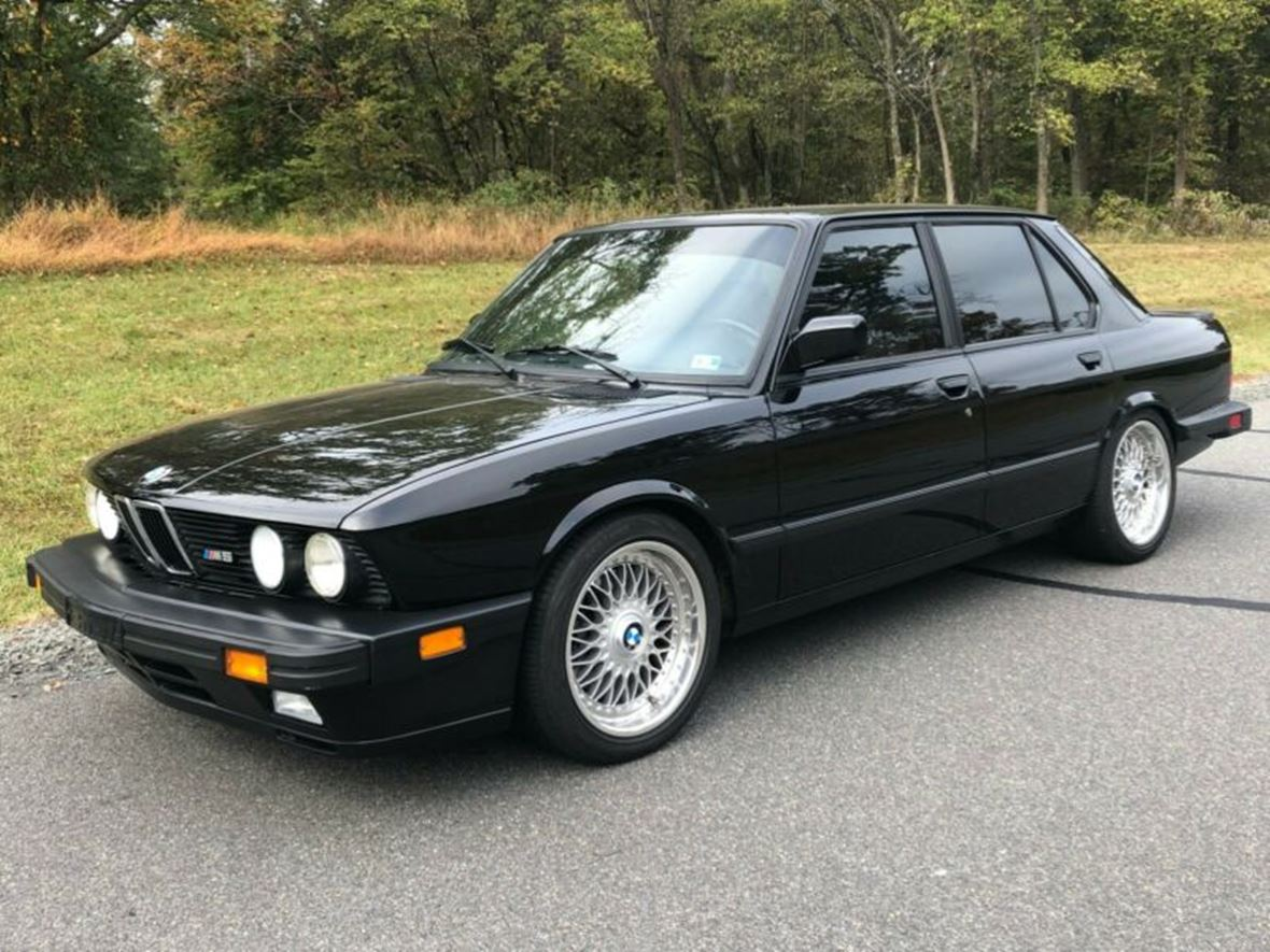 1988 BMW M5 for sale by owner in Gum Spring
