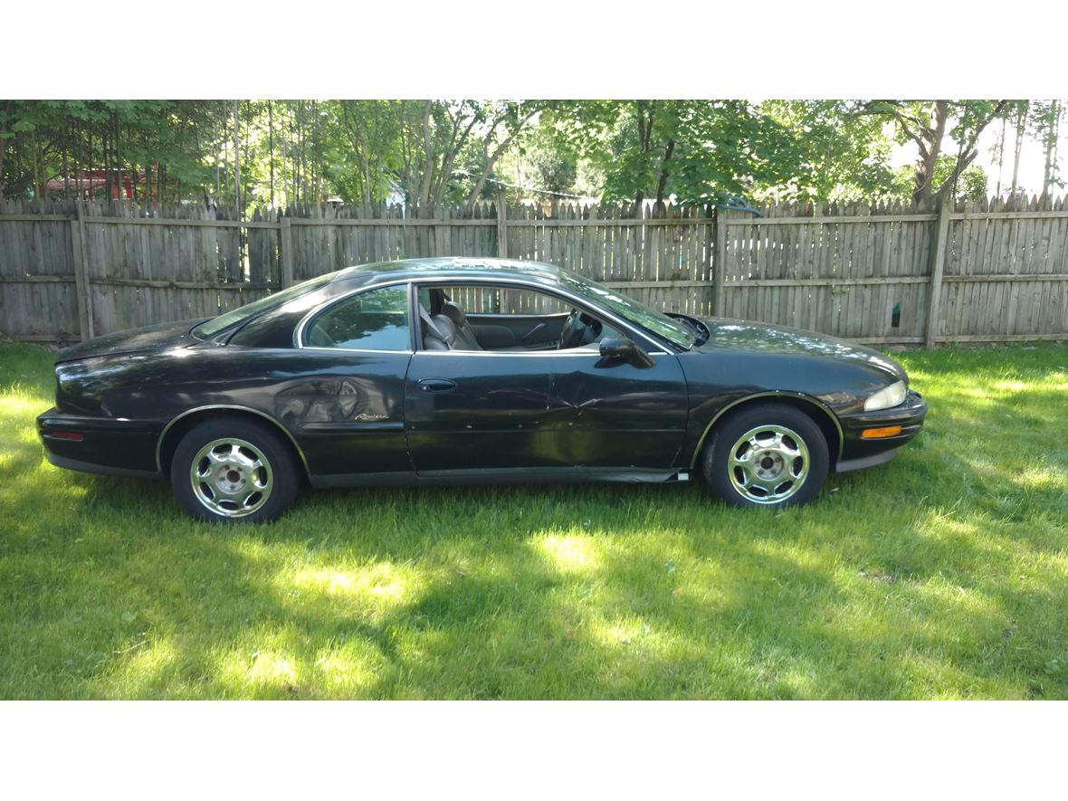 1997 Buick Riviera for sale by owner in Hillsdale
