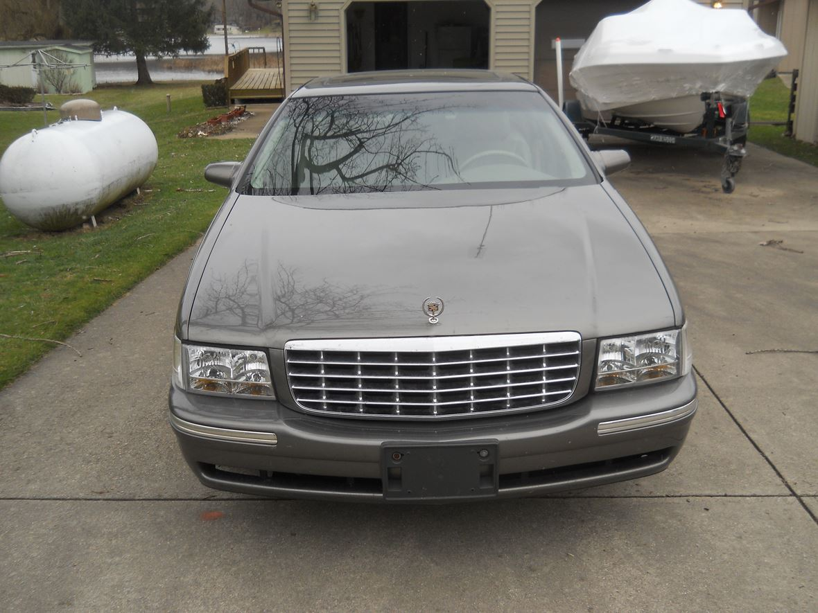 1998 Cadillac DeVille for sale by owner in White Pigeon