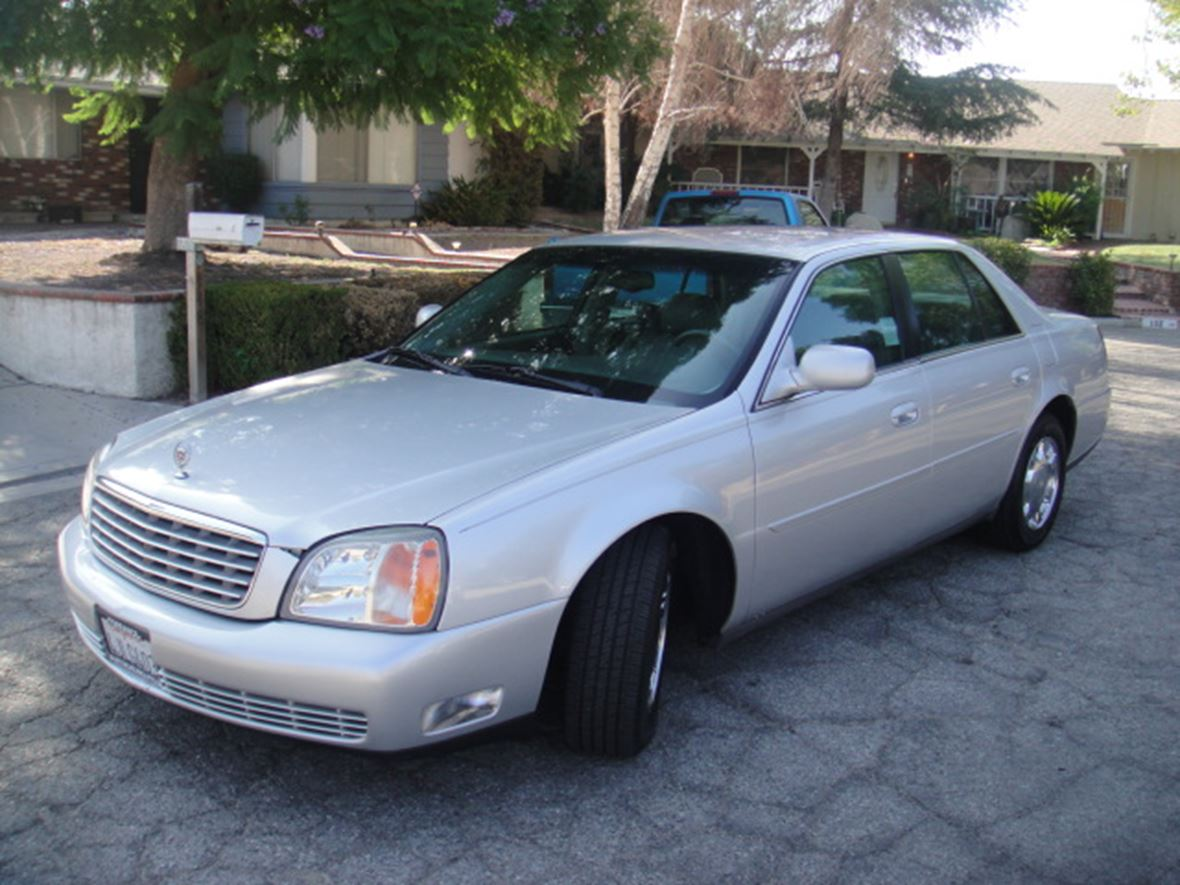 2000 Cadillac DeVille for sale by owner in Hemet